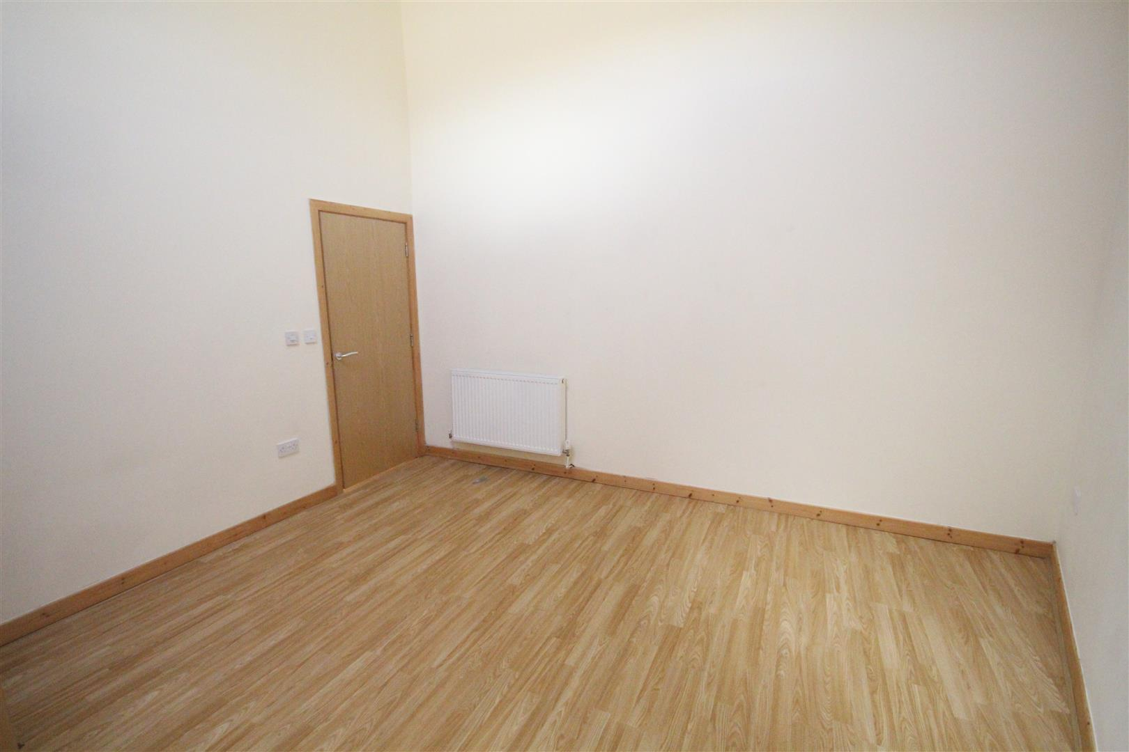 2 bedroom bungalow For Sale in Colne - IMG_3332.jpg